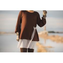 Camiseta lazada lateral marrón gris MANOLITA FALDOTAS
