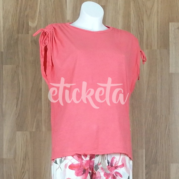 Camiseta frunce manga coral