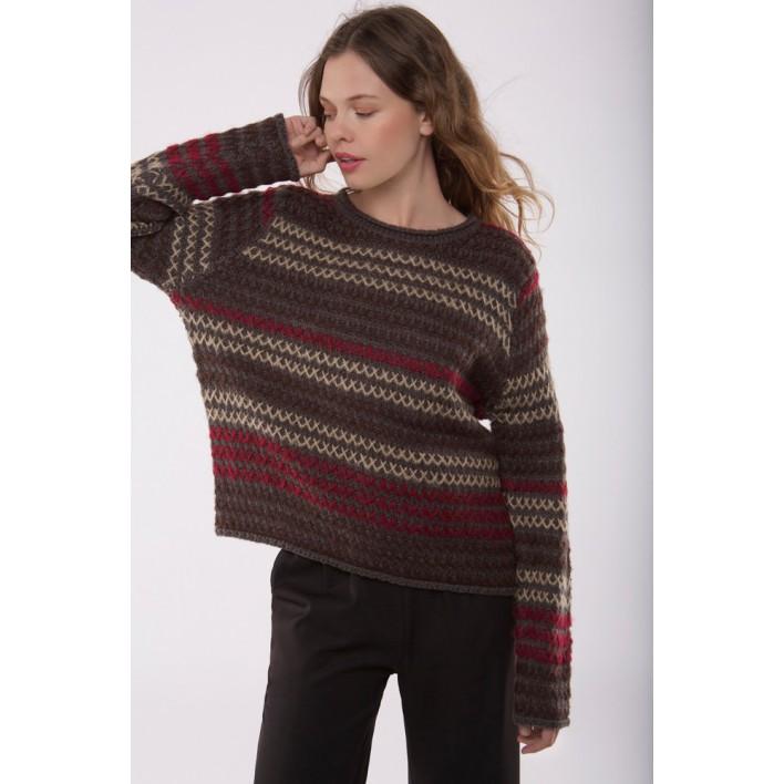 Jersey trama tejido formando rayas en tonos marrones y rojos