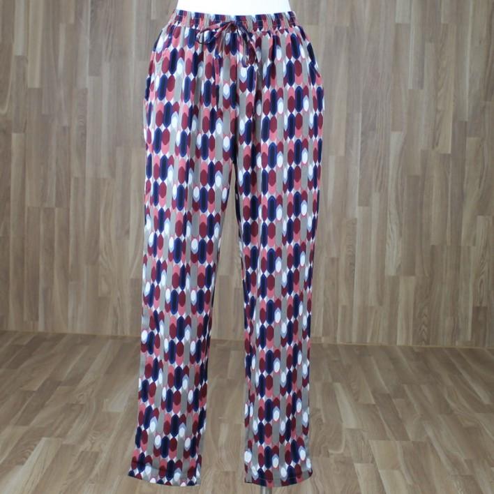 Pantalón estampado tonos caldera