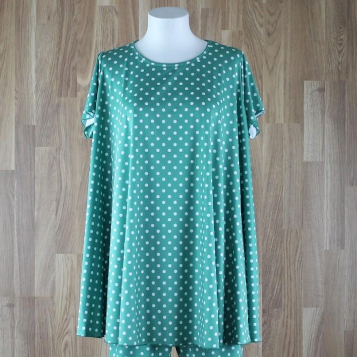 Camiseta de manga corta con vuelo y estampado lunares verde
