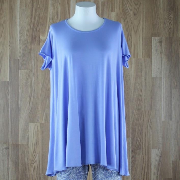 Camiseta de manga corta con vuelo liso lavanda