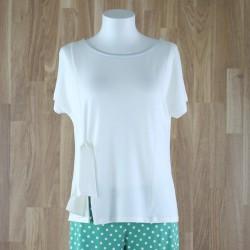 Camiseta manga corta y lazo lateral crudo