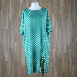 Vestido manga corta con abertura en el bajo estampado lunares verde