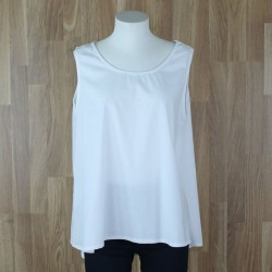 Blusa sin mangas botones trasera blanco