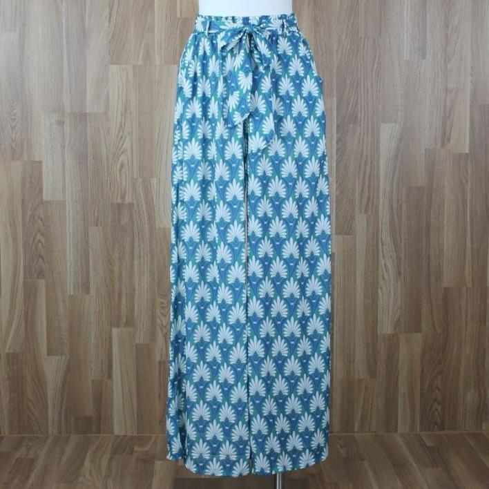 Pantalón fluido estampado tonos verde azul
